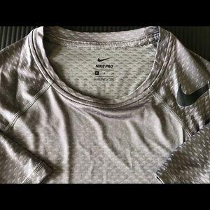 Nike Dri-Fit Tee Size M